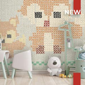 Una stanza dei giochi decorata con la carta da parati 768 Cross Stitch Fox on the wall.