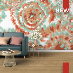 Un soggiorno decorato con la carta da parati 771 Tie Dye Multi Colors.